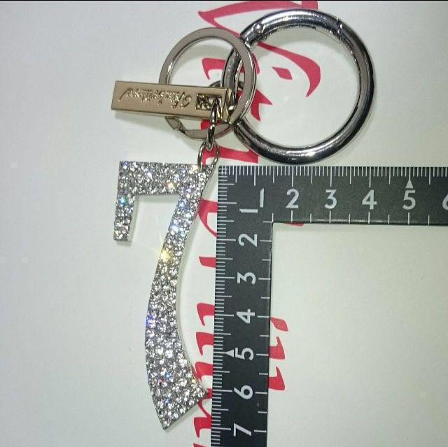ラインストーン7ナンバーチャーム金色(1・7・8、金銀あり