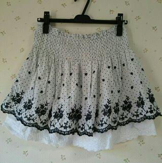 アンティローザ刺繍スカート