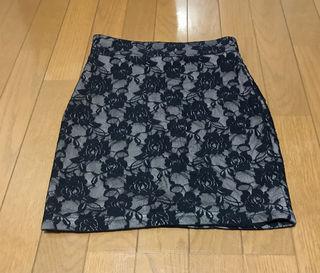 《未使用》レースタイトスカート