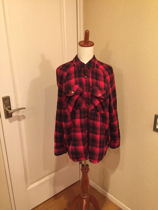 海外FOREVER21購入赤チェックシャツ