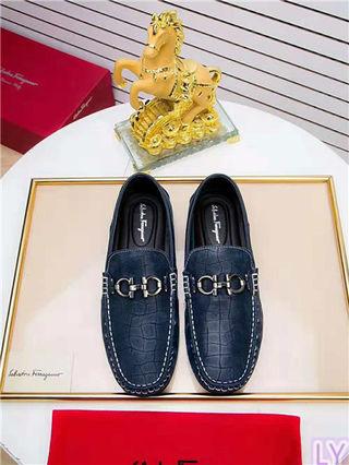 大人気FERRAGAMO革靴