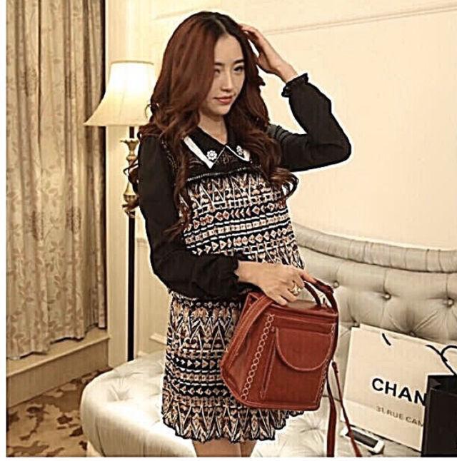 x9 クルーネック長袖柄ドレス