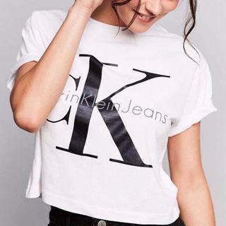 カルバンクラインTシャツ 可愛い 白黒グレー3色あり