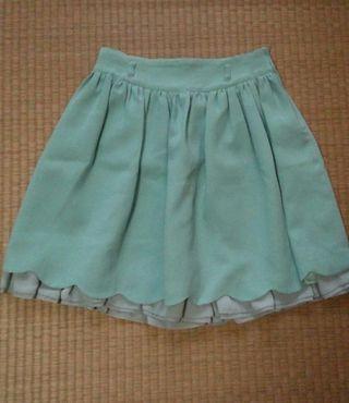 レストローズ  スカラップ裾のスカート