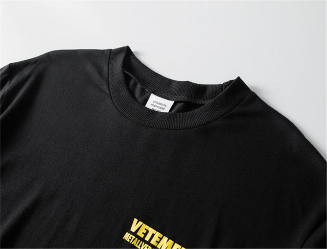 VETEMENTS Tシャツ BACK LOGO PRINT
