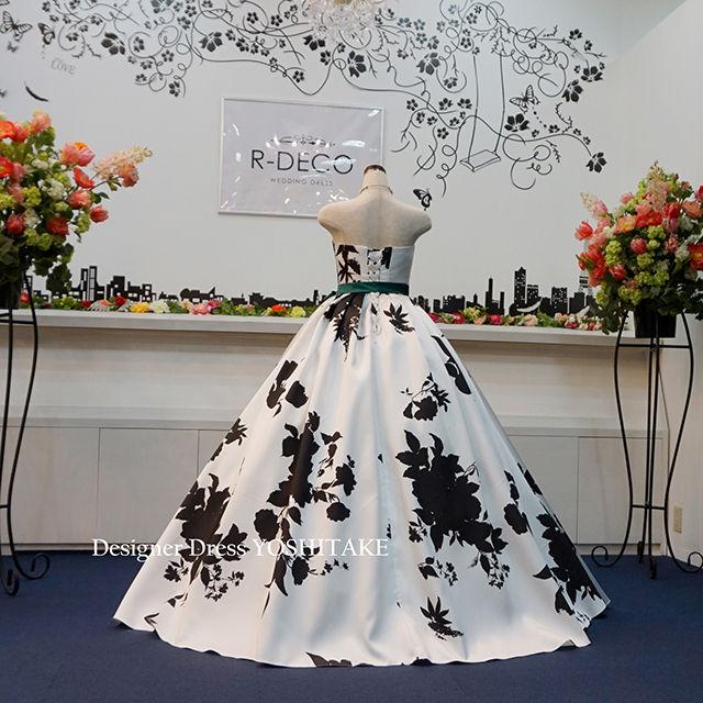 ウエディングドレス(パニエ無料) 白黒花柄/白ベース