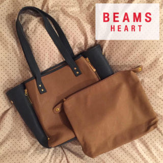 BEAMSセレクトBEAMS HEARTクラッチ付きBag