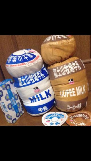 ふわふわのび~る牛乳瓶クッション牛乳&コーヒー牛乳セット