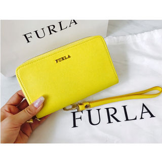 FURLA最新作iPhone財布ケース