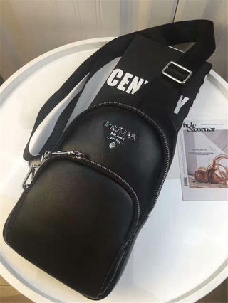 黒 ボディバッグ おすすめ メンズ用 リュック cx40