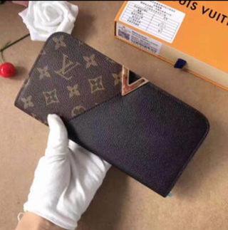 国内発送財布  可愛い美品