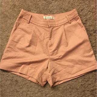 Reasteriskピンク色ショートパンツ