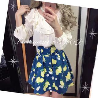 フリル衿×レモンロマンスガーリーコーデ