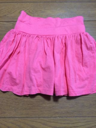 ピンクのスカートパンツ 未使用