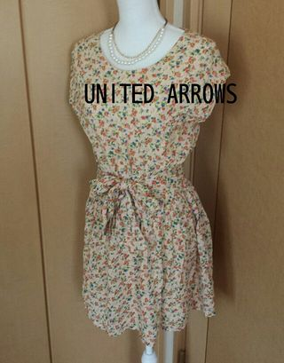 UNITED ARROWS  小花柄ワンピース