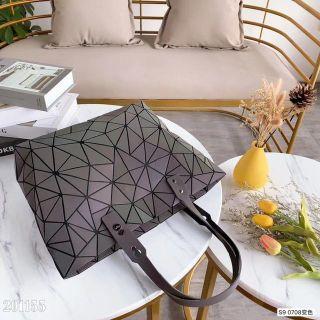 国内発送 即購OK 個性的な美品 素敵ショルダーバッグ