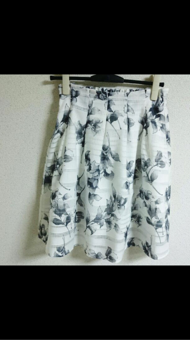 花柄フレアスカート - フリマアプリ&サイトShoppies[ショッピーズ]