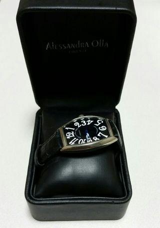 ALESSANdRA OLLA の腕時計