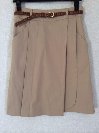 ベルト付き 膝丈スカート