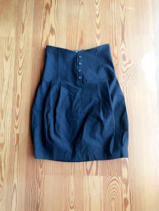 コクーン型タイトスカート