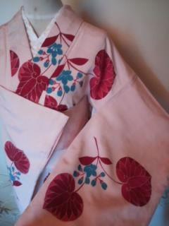 ピンク赤リーフ青華袷レトロ小紋160美品  - フリマアプリ&サイトShoppies[ショッピーズ]