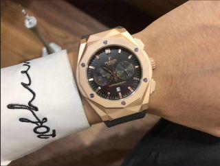 新品大人気HUBLOTクォーツ腕時計