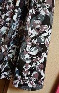 大花柄スカート