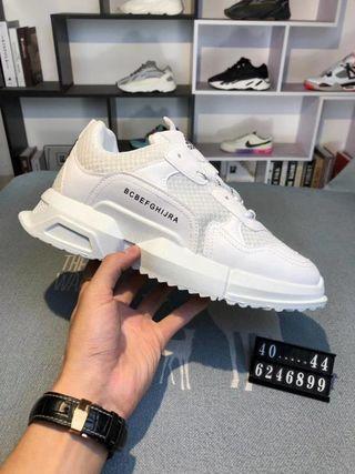 国内発送Adidas大人気 新作 スニーカー