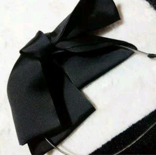 黒リボンカチューシャ('ω'*)