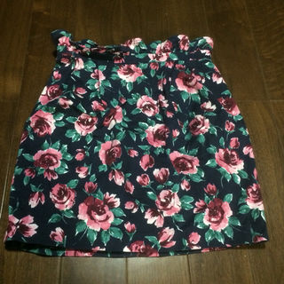 supreme lala 花柄タイトスカート