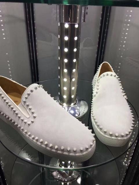 クリスチャンルブタン靴 スニーカー スタッズ