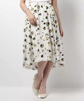 VISのフラワーロングスカート