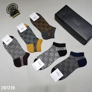 5点セット!超美品・人気の靴下X95