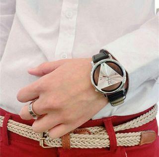 三角の盤がかっこいい トライアングル腕時計 ユニセックス
