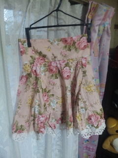 beberose花柄ピンクハイウエストスカート