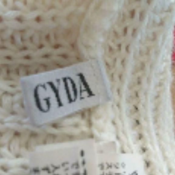 GYDA背中開きデカポケットニット