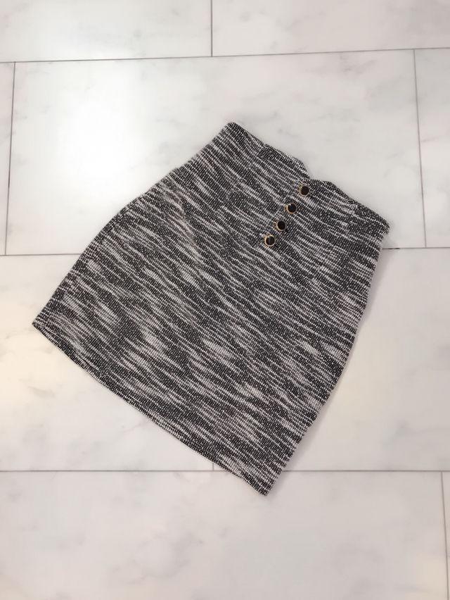 タイト スカート 灰色 白 ボタン