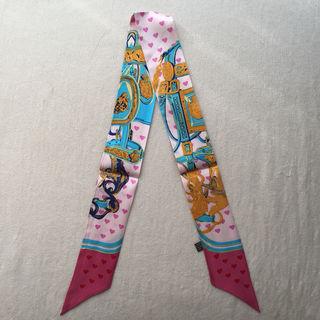 【大人気】シルク ツイリーリボン バッグスカーフ ハート柄