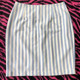 コルザタイトスカート