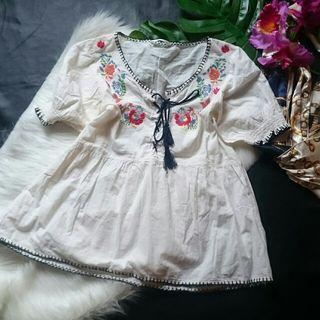 美品!レトロガールお花刺繍×編み上げシャツカットソー