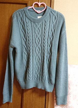 GU ケーブルクルーネックセーター