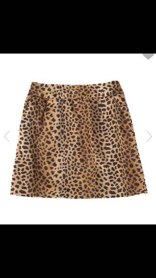 レオパード柄台形スカート