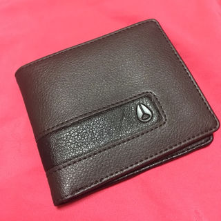 NIXONニクソン二つ折り財布チャコール新品
