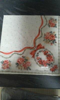 ディオール白系リボンと花柄ハンカチ