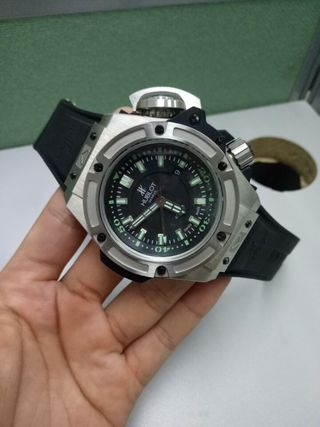 国内発送ウブロメンズ腕時計