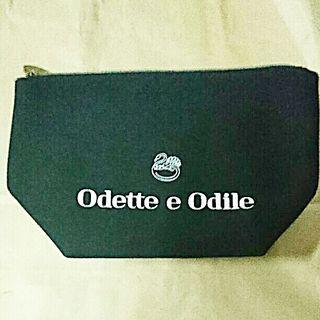 OdetteeOdile オデットエオディール自立ポーチ