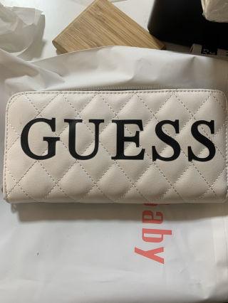 GUESS 財布