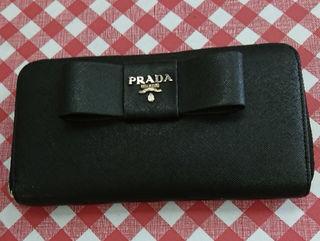 PRADA長財布