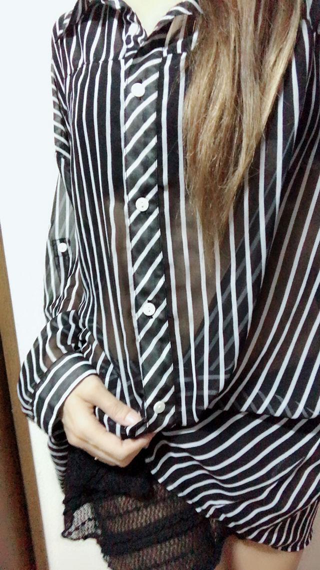 透けシャツ