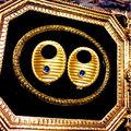オーバル型ブルー ストーンゴールドイヤリング